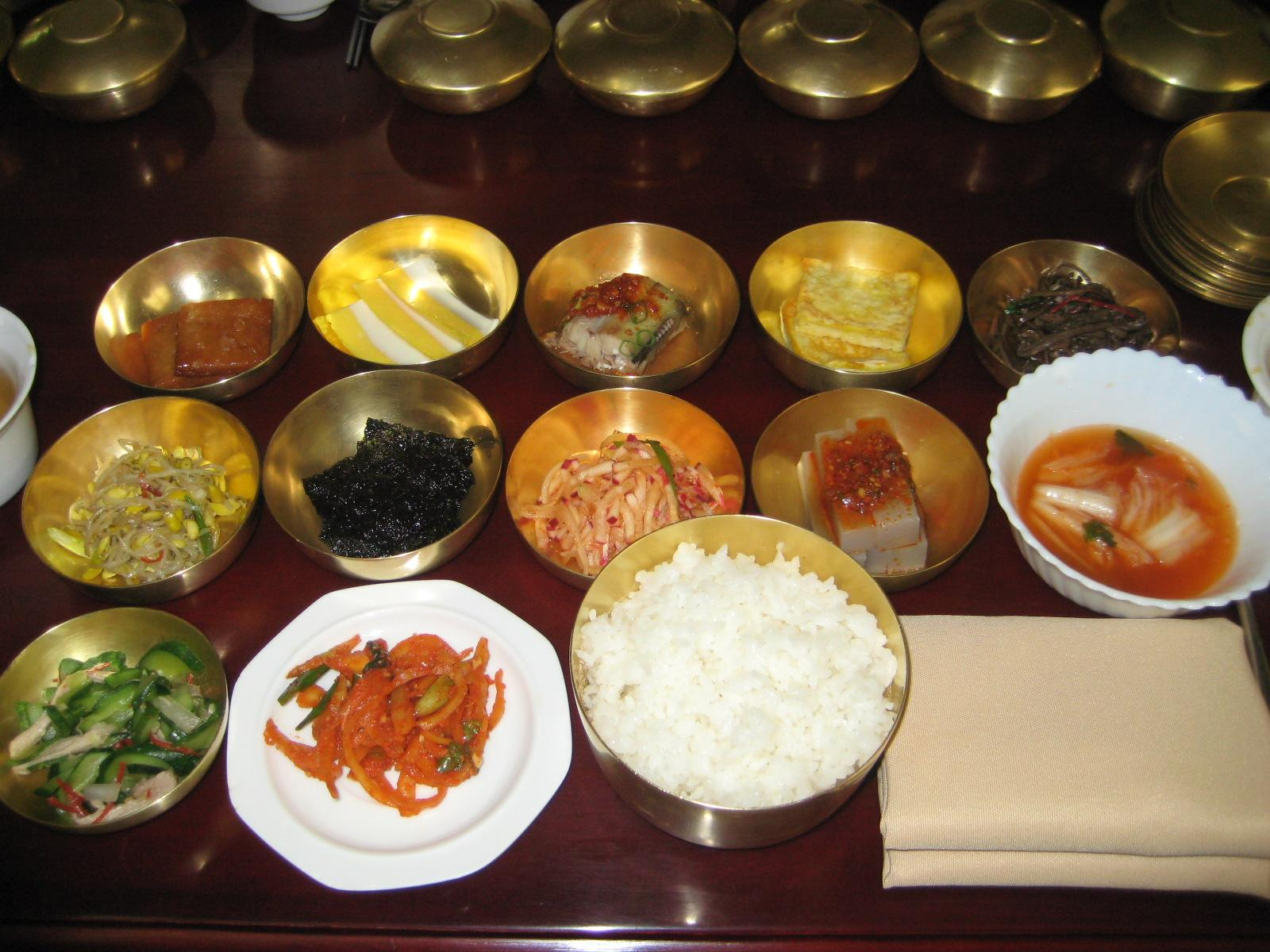 Unlike all the Koreans I was traveling with, I have no idea what any of this Korean food is.  Although I'm pretty sure that white one is rice.