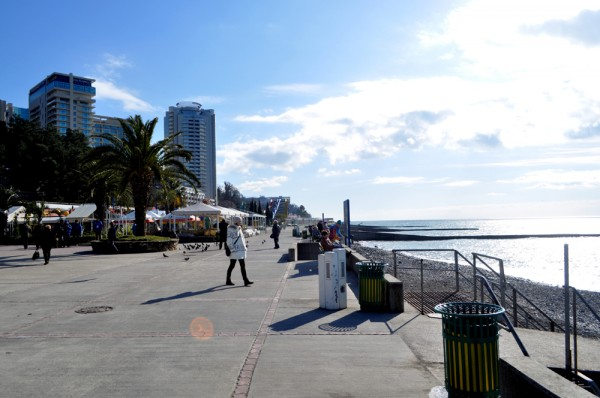 The promenade of Sochi Seaport is an enjoyable place to spend the day in both winter and summer.