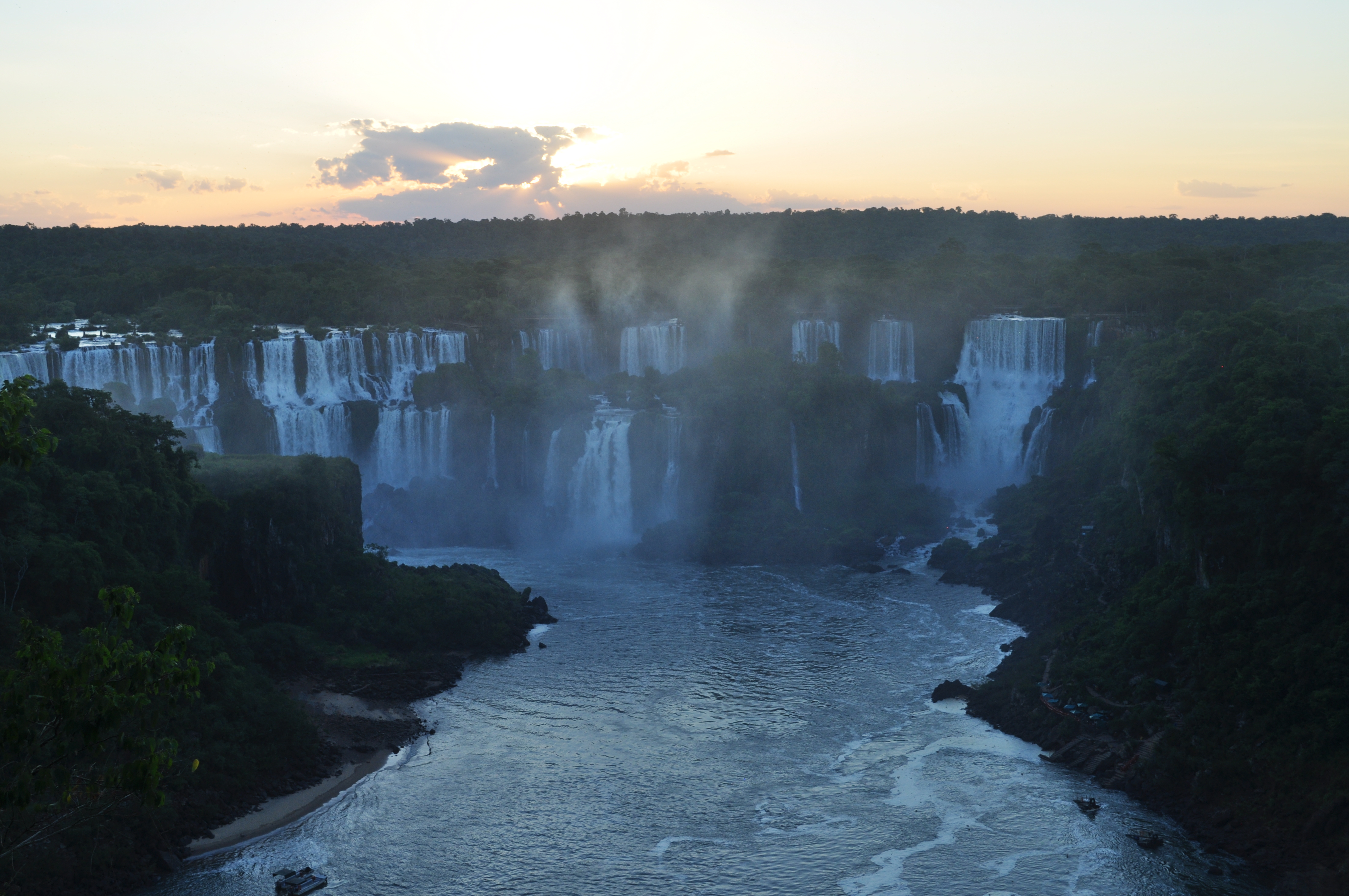 iguazu falls sunset - photo #22