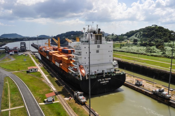 Ute Oltmann of Hamburg crosses the Panama Canal loaded with containers