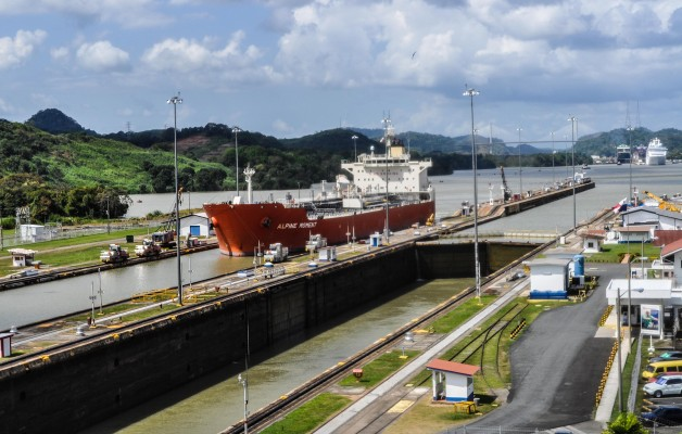 Tanker ship Alpine Moment enters the Miraflores Locks